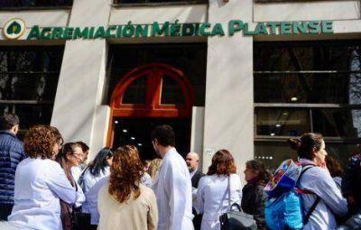 Declararon a la región de La Plata como zona de conflicto médico