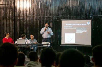 Autoridades de SAMEEP expusieron sobre la potabilización del agua en la Escuela Técnica Nº 21