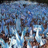 """Mauricio Macri tuvo su pequeño milagro en el Obelisco con la """"marcha del millón"""": ¿cuánto le sirve?"""