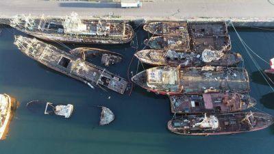 Fuerte preocupación por la congestión de barcos abandonados y hundidos