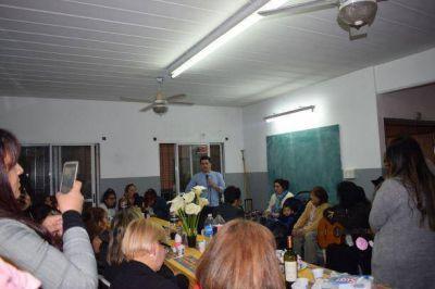 Consenso Federal: Fernando Pérez en el agasajo a las madres