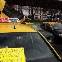 Los tacheros vuelven a hacer colapsar para protestar contra Uber y Cabify