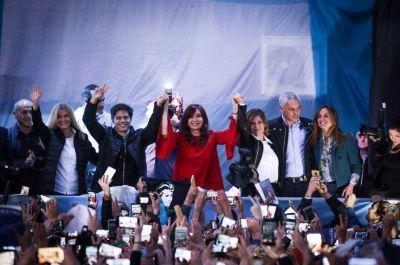 ¿Estará Maradona? Cristina y Axel cierran la campaña provincial en el Bosque platense