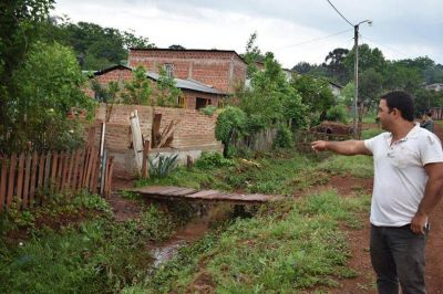Vecinos piden mejoramiento de cunetas para no inundarse