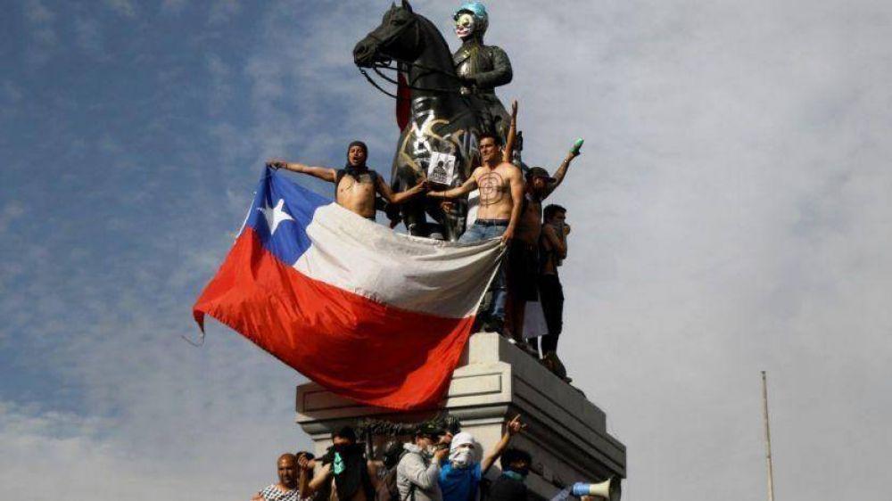 Gobierno y oposición se lanzan denuncias por la crisis en Chile