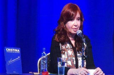 En campaña, Cristina Kirchner pidió mirar a Chile: