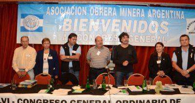 En medio de la inestabilidad económica, los mineros revisaron paritarias y sellaron el pago del