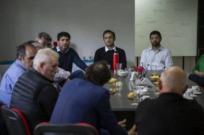Abella se reunió con la comisión directiva de la Unión Industrial de Campana