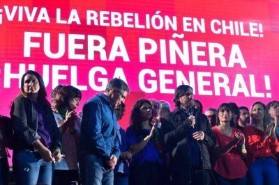 La izquierda cerró su campaña con muestras de apoyo a las protestas en Chile