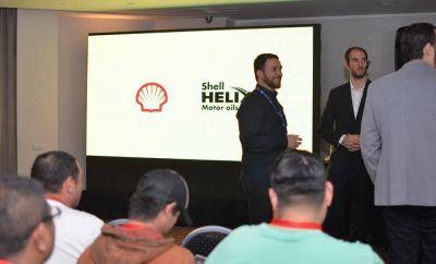 Especialistas de Raízen siguen recorriendo el país presentando el nuevo lubricante Shell Helix Ultra SN Plus