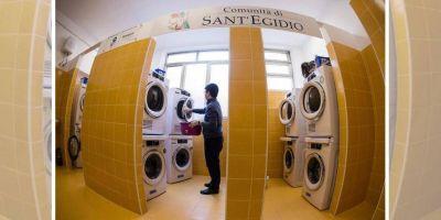 Lavandería y las duchas del Papa Francisco llegan a Génova