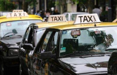 """Taxistas: """"La temporada pasada fue mala, la anterior pésima y cada temporada que viene es peor"""""""