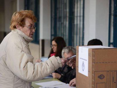 Casi 600 mil platenses eligen, concejales, intendente, senadores, gobernador y presidente