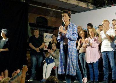 Mayra Mendoza es la primera mujer electa como intendenta de Quilmes