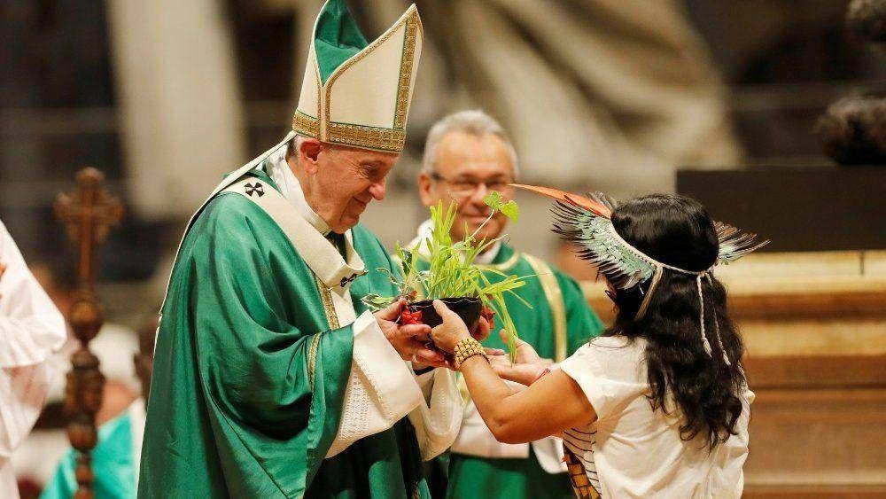 El Papa: haciendo nuestro el grito de los pobres, nuestra oración atravesará las nubes