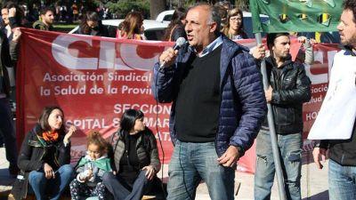 Gremio de médicos le pide a Axel que no sea como Vidal y que se comprometa con la salud pública
