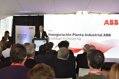 Fernando Gray recorrió la nueva planta de la empresa ABB en El Jagüel