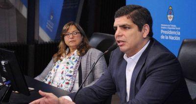 El secretario de Trabajo se guardó un puesto de gerente en Trenes Argentinos para no dejar el Estado