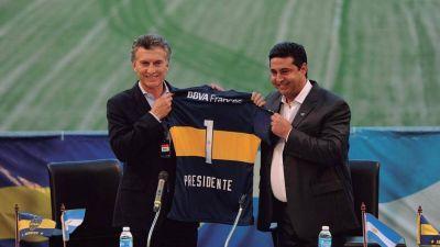 Macri analiza presentarse como presidente de Boca