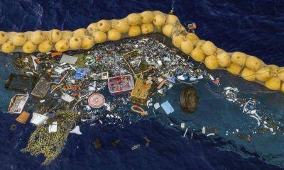 Prueban con éxito un dispositivo para eliminar la basura acumulada en los océanos