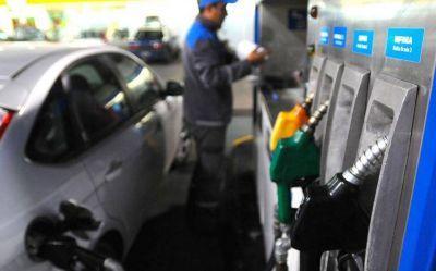 Cae el consumo de combustible y no descartan un nuevo aumento