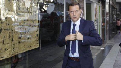 El gobernador de Neuquén empieza a negociar con Alberto cómo liberar el precio de las naftas