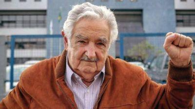 Charla de 'Pepe' Mujica en la Universidad de Tres de Febrero: hablará sobre la coyuntura actual de la región