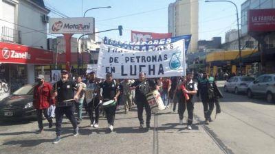 Despedidos de Petronas marchan a Trabajo en Quilmes