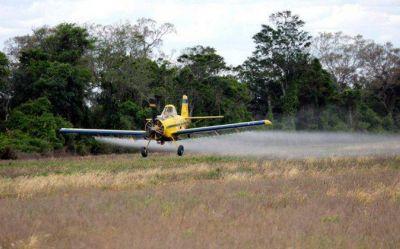La justicia procesó a tres productores rurales por fumigar y contaminar agua