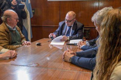 Compactación de vehículos secuestrados: El Municipio donará lo recaudado al Hogar de María