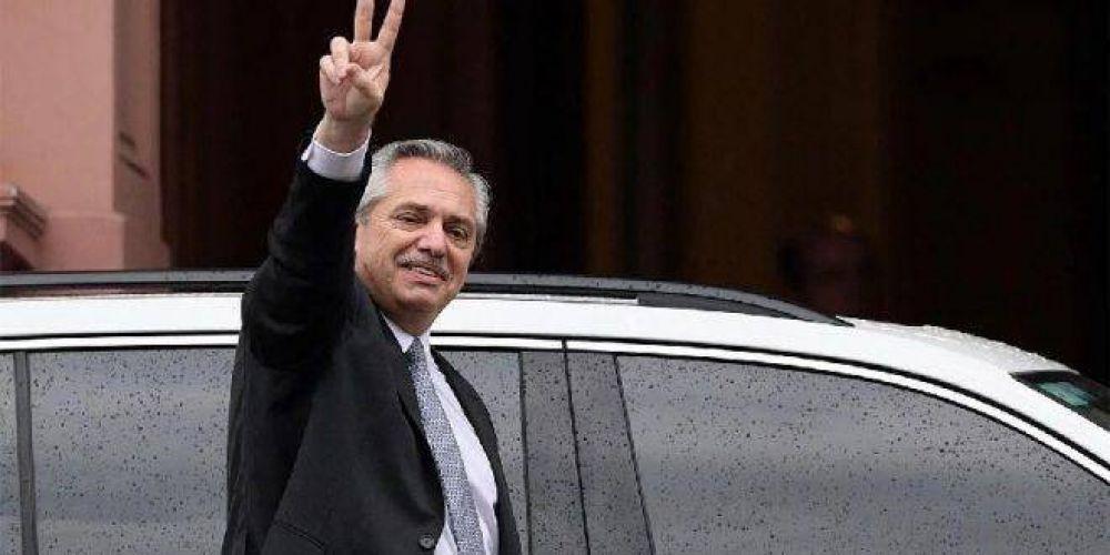 Alberto ya planea un aumento salarial de 20% por decreto en diciembre, antes del acuerdo de precios