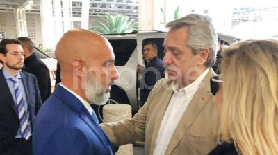 Alberto Fernández llegó a México en su primera gira como presidente electo: se reunirá con López Obrador y el empresario Carlos Slim