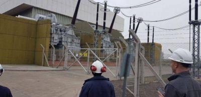 Comienza el traslado del enorme equipo para reactivar una hidroeléctrica