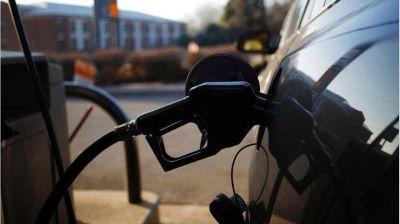 Naftas: estacioneros prevén un nuevo aumento del 5% para diciembre