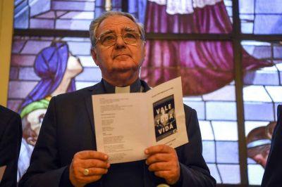 Con la transición política de fondo, comienza la asamblea de obispos