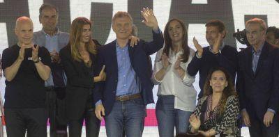 El último mes de Mauricio Macri: obras, viajes, balance y el deseo de una Plaza llena