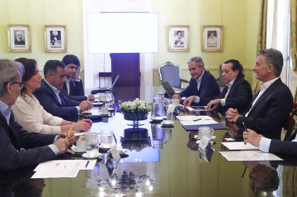 Mauricio Macri les pidió a los ministros que expliquen las cifras de la economía y que defiendan su herencia