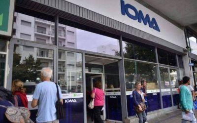 En medio del conflicto entre IOMA y médicos, la Defensoría reclamó que no se afecte la cobertura de afiliados