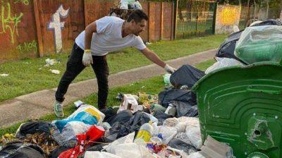 El intendente de Funes salió con su gabinete a recolectar la basura