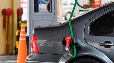 Naftas: ¿A qué se debe la diferencia de precio entre Capital y Rosario?