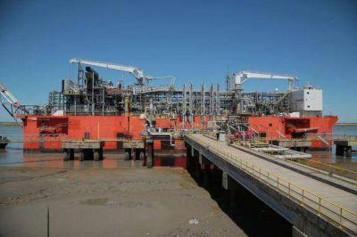 YPF hará primera exportación de gas licuado de su historia como último acto en la era macrista