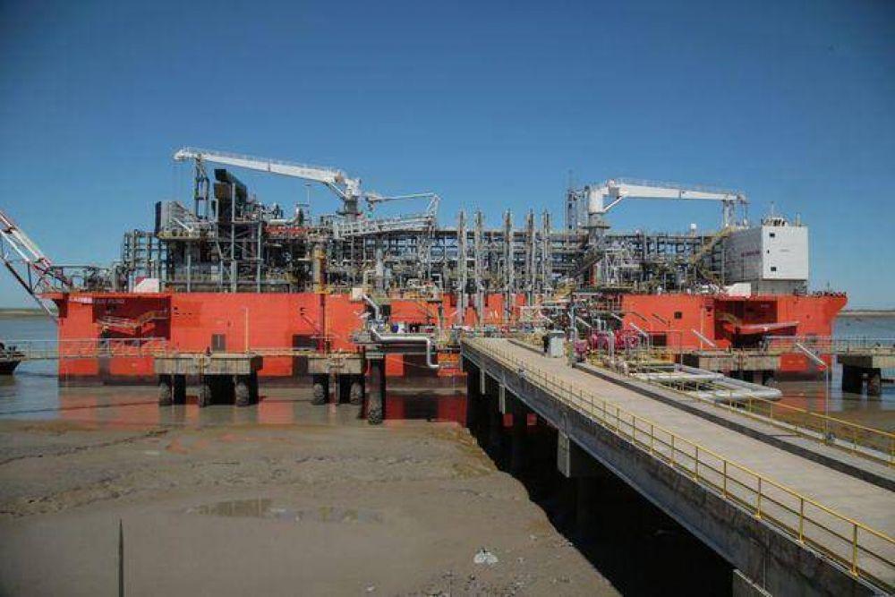 YPF hará primera exportación de gas licuado de su historia