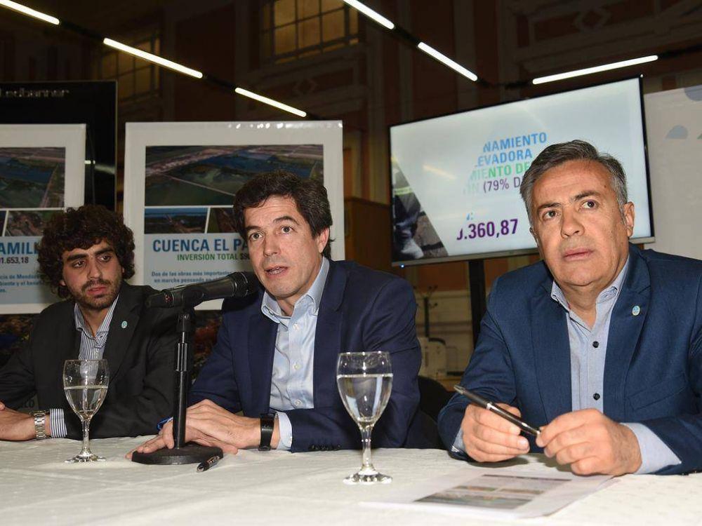 Cornejo apura un aumento en la tarifa del agua
