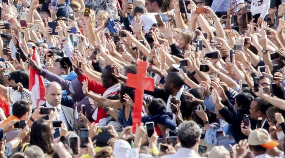 El desafío fundamental de los laicos es la santidad, recuerda Cardenal