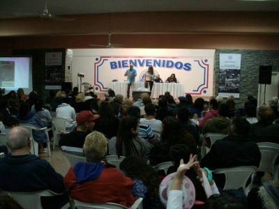 Multitudinario festejo del Día del Trabajador Municipal
