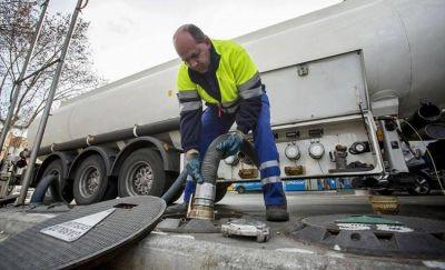 La intervención del Estado en el mercado de los combustibles impulsó una nueva cláusula en los contratos entre petroleras y Estaciones de Servicio