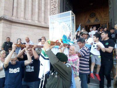 Una multitud acompañó a la Virgen que estuvo en Malvinas