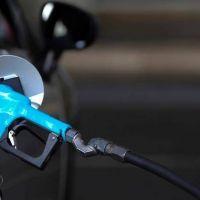 """Mañana vence el decreto que """"congela"""" el precio de los combustibles y se espera la definición de las empresas"""