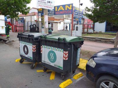 Comenzaron a demarcar contenedores de basura en las avenidas