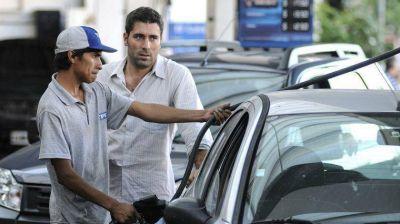 Las naftas suben dos veces en un mes a la espera del plan Fernández